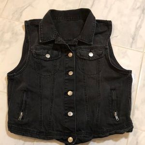 Black denim jean vest. Zip up pockets. EUC!